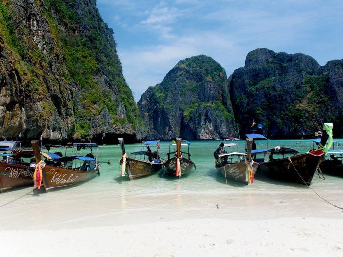 longboats-the-beach-thailand-5-star-stories